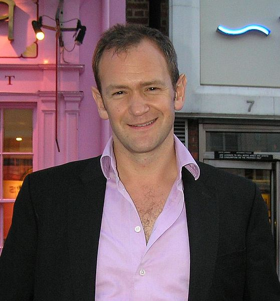 Alexander_Armstrong_(cropped)
